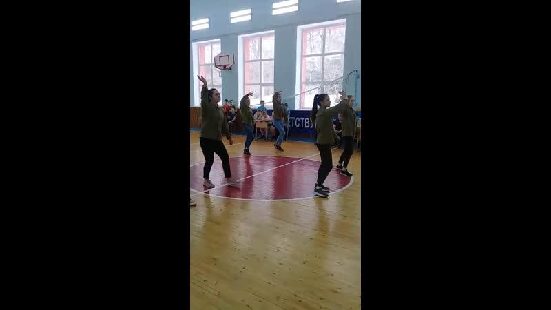 Танцевальный коллектив нашей школы Камские звёздочки С танцем Мы теперь солдаты