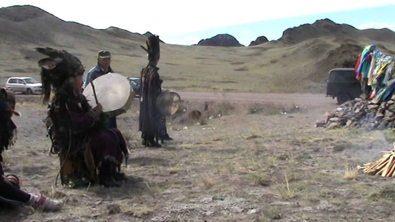 Камланье шаманов на перевале Оваалыг арт на горе Пош даг Кызыл Пош даг Хайыракан 31 мая 2015 г